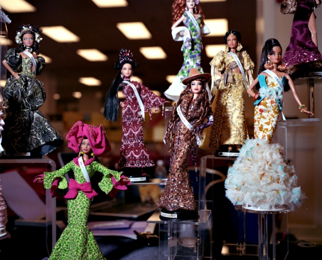 Miss Universe Barbies © Susana Raab 2009