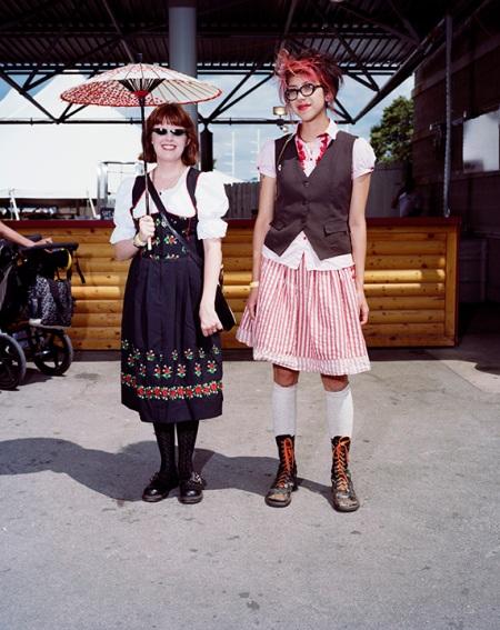 Frauleins Milwaukee c. 2009 style. © Susana Raab 2009